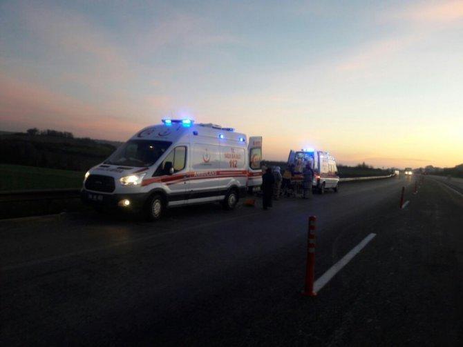 Çanakkale-istanbul Yolunda İki Ayrı Kaza: 1 Ölü, 6 Yaralı