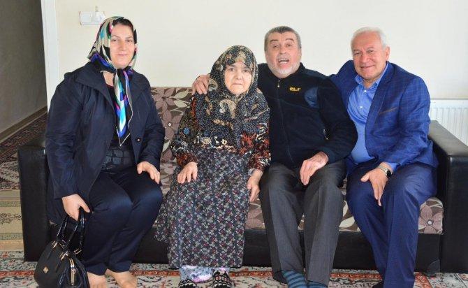 Lapseki'de, Yaşlılara Saygı Haftası Etkinlikleri