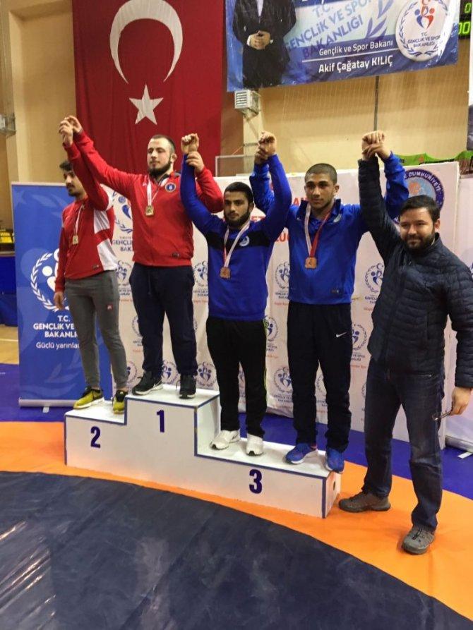 Gençlerde Üç Sporcu Türkiye Finallerinde