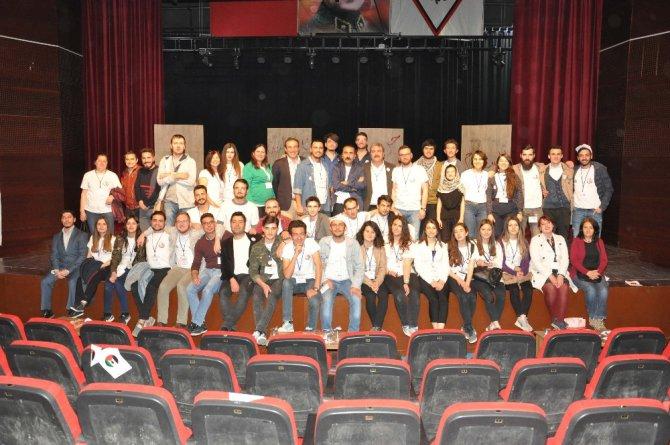 Uşak Belediyesi 1. Tiyatro Festivali Coşkuyla Başladı