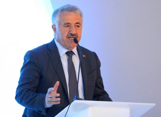 Cihaz Yasağına Tepki Gösteren Ulaştırma Bakanı Ahmet Arslan:
