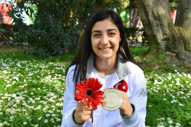 Çiçek Akyüz, Avrupa Şampiyonu Oldu