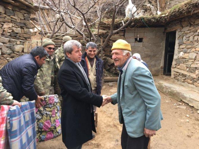Vali Çınar'dan Köy Ziyaretleri