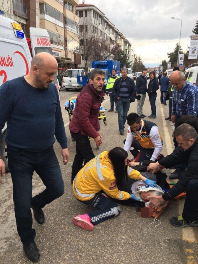 Halk Otobüsünün Çarptığı Vatandaş Ağır Yaralandı