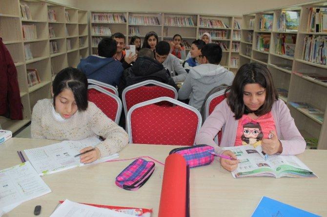 Elazığ'da Kitap Okuma Etkinliği