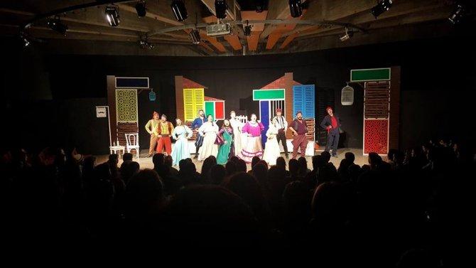 Odunpazarı Belediye Tiyatrosu Ankaralı Tiyatro Severlerle Bir Araya Geldi