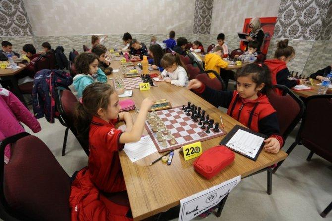 Satranç Turnuvasında Ödüller Sahiplerini Buldu