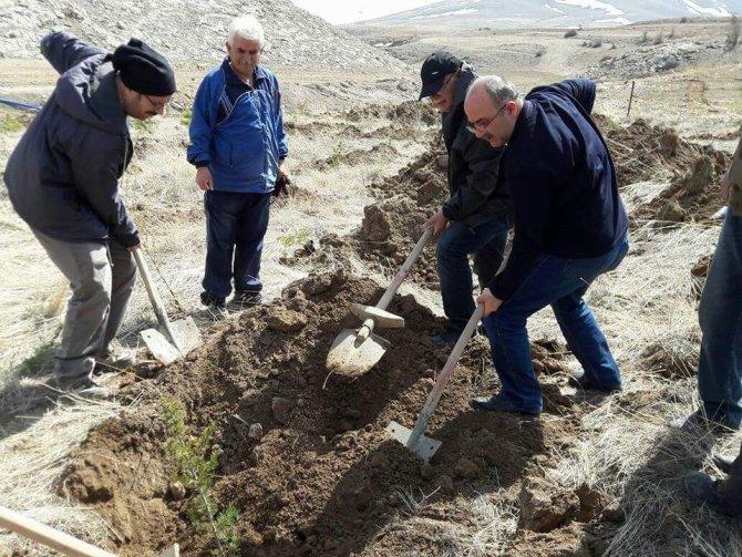 Bünyan Dostları 250 Fidanı Toprakla Buluşturdu