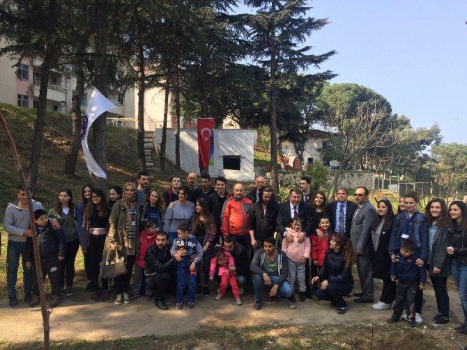 Engelli Öğrenciler Üniversite Bahçesini Çiçeklendirdi