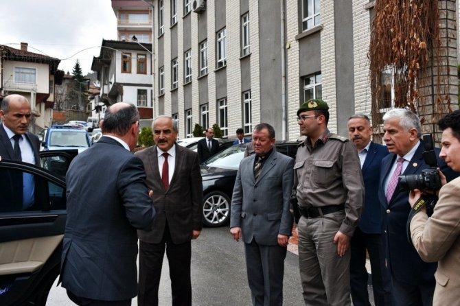 Vali Karadeniz, Başkan Şahin'i Ziyaret Etti