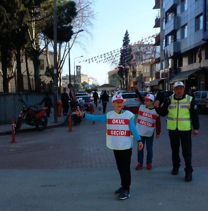 Sinop'ta Okul Geçidi Görevlileri İlk Denetimlerini Yaptı