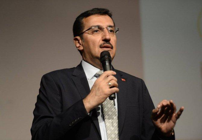 """Bakan Tüfenkci: """"15 Temmuz Darbe Girişimine Karşı Koyan Bu Milletin Sivil Direnişi Altın Harflerle Yazılacak"""""""