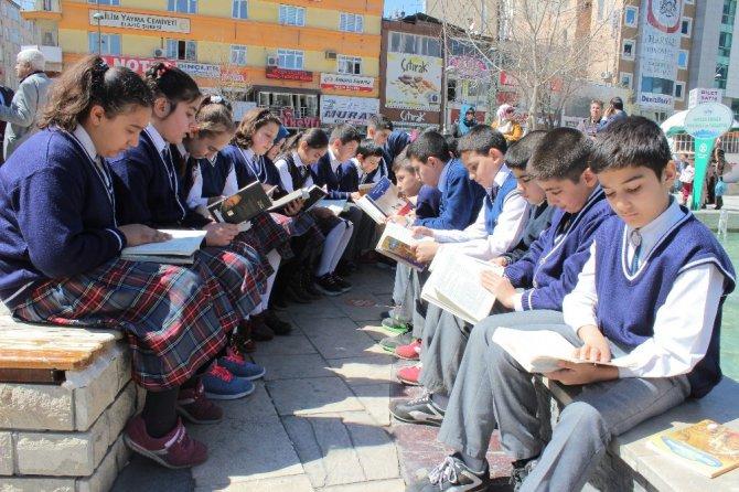 Elazığ'da 'Sessiz Kitap Okuma' Etkinliği
