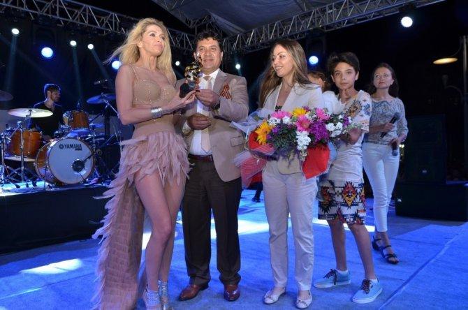 Kemer Belediyesi'nden Rus Şenliği
