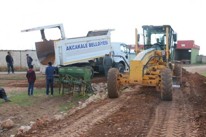 Akçakale Belediyesi Yol Çalışmalarını Sürdürüyor