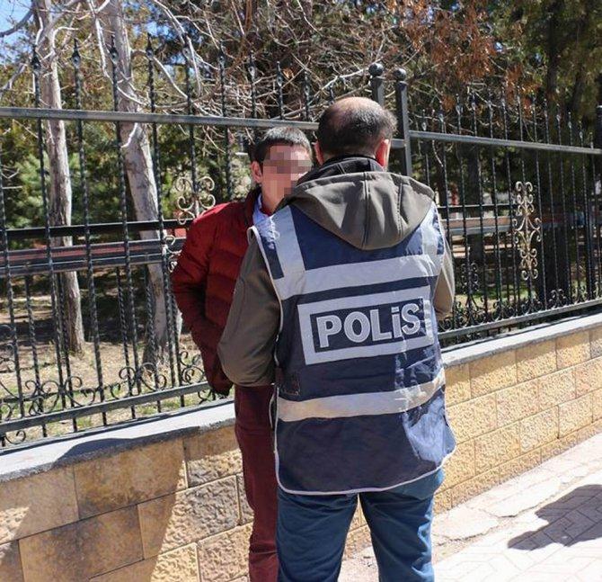 Sivas Polisi Okul Önlerinde Göz Açtırmıyor
