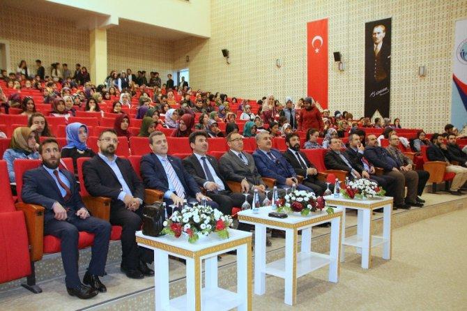 """Kilis'te """"Hoca Ahmet Yesevi'yi Anlamak Konferansı"""""""