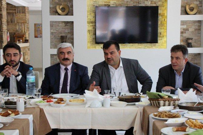 Ak Parti'li Mehmet Ünek: