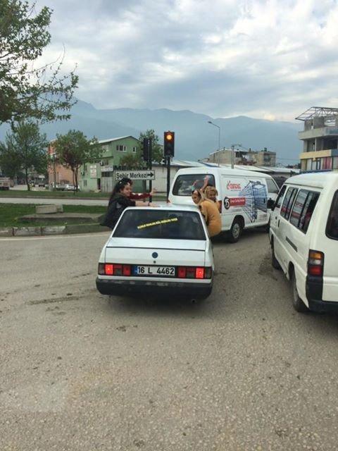 Bursa'da Trafikte Tehlikeli Görüntüler