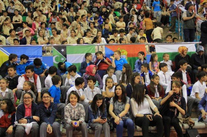 """Türk Dünyasının Çocukları """"Barış"""" istiyor"""