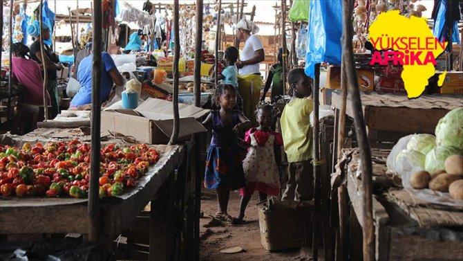 Gine'de Köleliğe Açılan Kapı Boffa