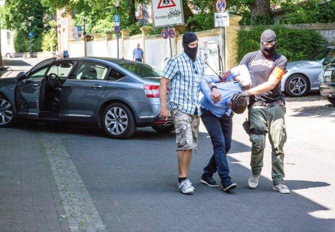 Almanya'da, Soyguncuları Vatandaşlar Yakaladı
