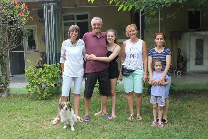 Antalya'da yaşayan Alman Çift Türk vatandaşlığına geçmek istiyorlar