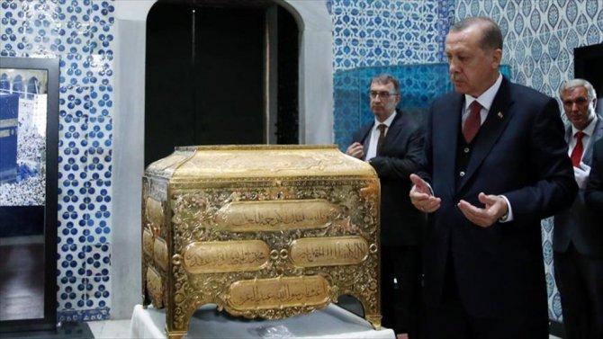 Erdoğan'dan Hırka-i Saadet'e Ziyaret