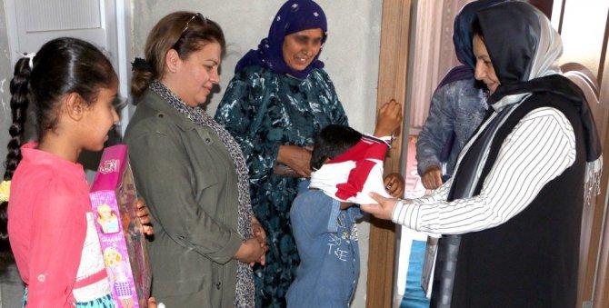 Şanlıurfa Büyükşehir'den Gıda ve Giyim Yardımı