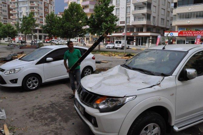 Gaziantep, Nizip'te Şiddetli Fırtına Çatıları Uçurdu