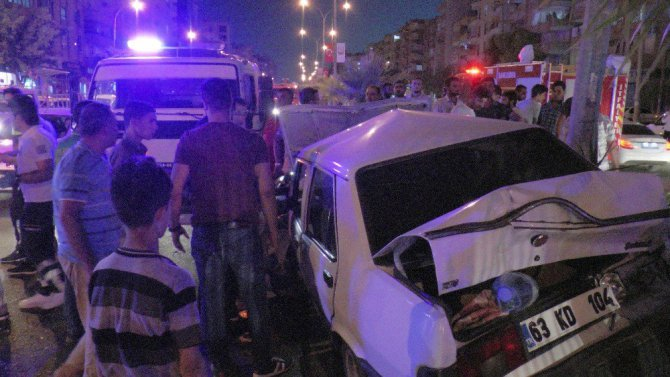 Şanlıurfa'da Kamyon Trafikteki Araçların Arasına Daldı: 4 Yaralı