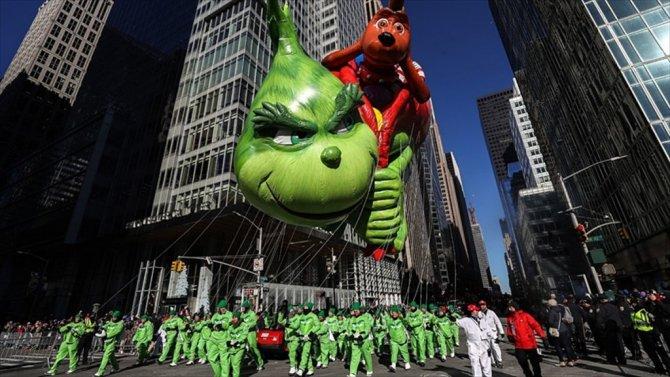New York'ta Renkli Şükran Günü Yürüyüşü